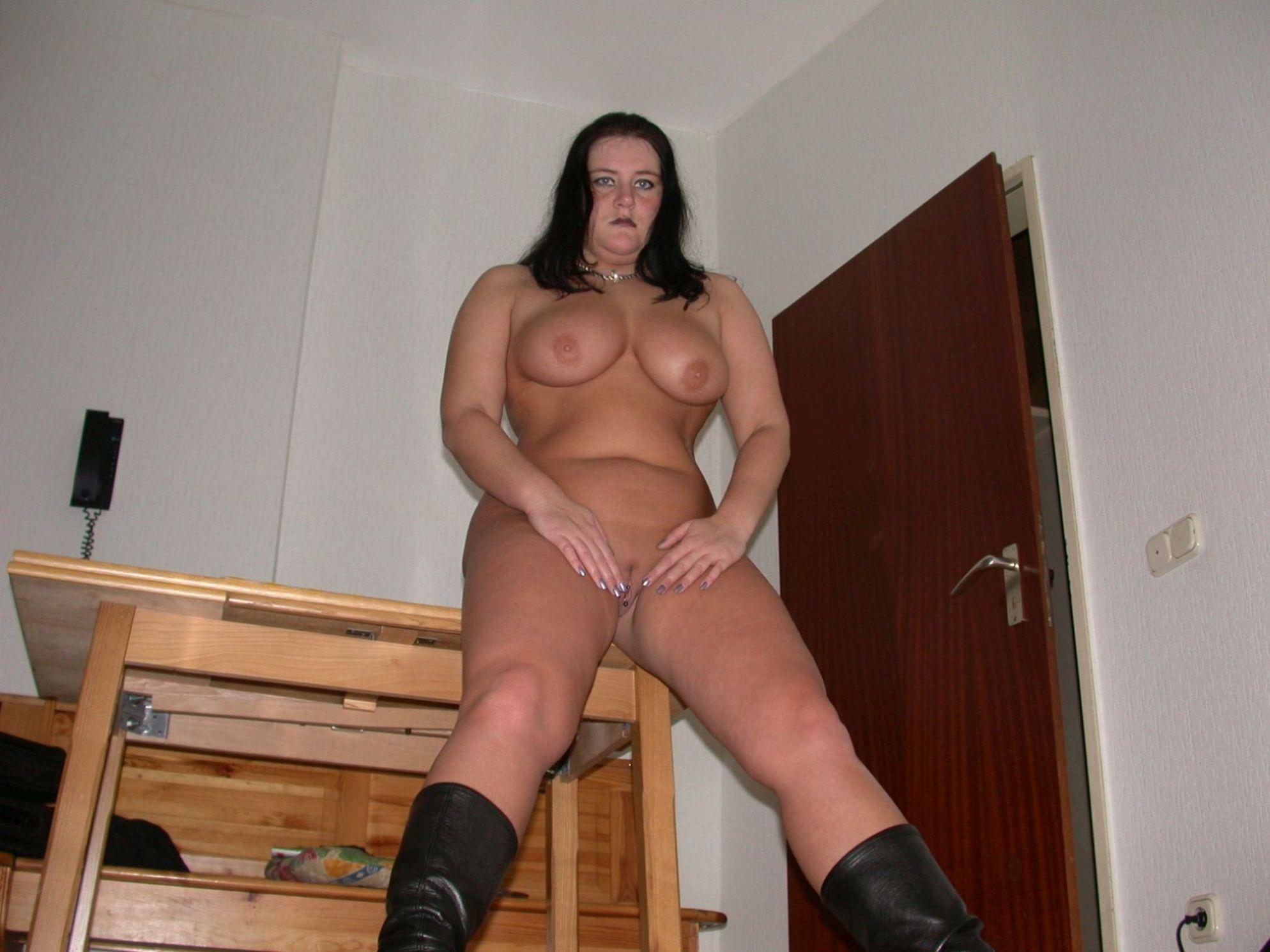 biggest black naked booty